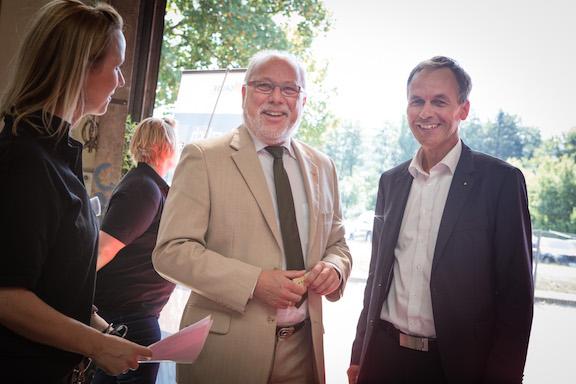 Gruse Geschäftsführer Ludger Helmig begrüßt Andreas Manz