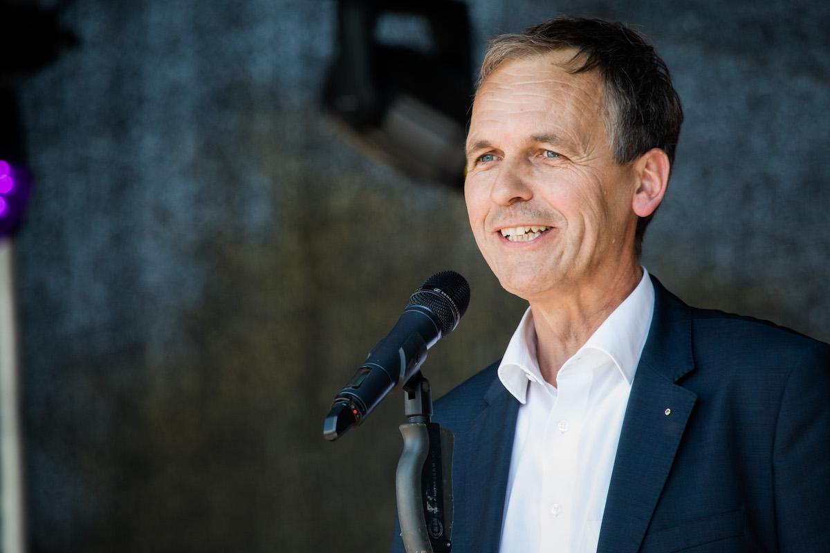 Gruse Geschäftsführer Ludger Helmig eröffnet das Jubiläumsfest
